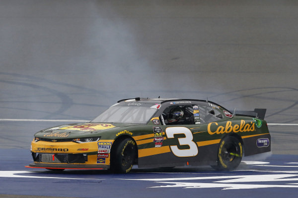 #3: Austin Dillon, Richard Childress Racing, Chevrolet Camaro Bass Pro Shops / Cabela's celebrates his win with a burnout