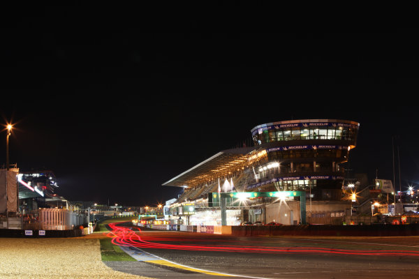 Circuit de La Sarthe, Le Mans, France. 13th - 17th June 2012. RaceThe drivers race on at speed through the night.Photo: Daniel Kalisz/LAT Photographic. ref: Digital Image IMG_9135