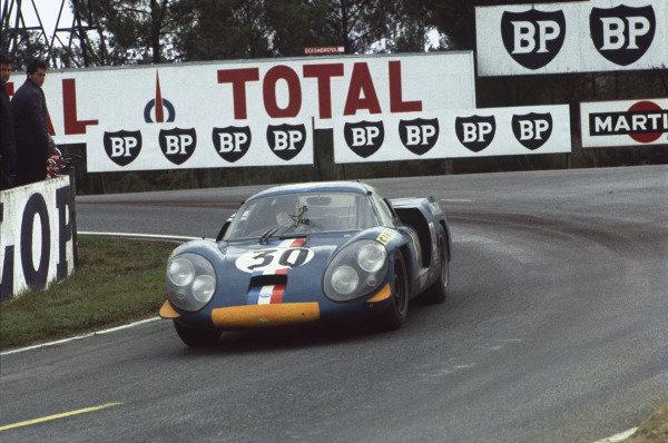 Le Mans, France. 28 - 29 September 1968 Jean Vinatier jr/Andre de Cortanze (Alpine A220-Renault), 8th position, action. World Copyright: LAT Photographic Ref:  68LM10.