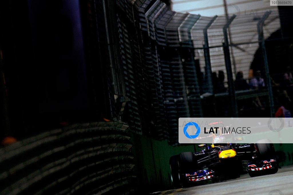 Marina Bay Circuit, Singapore.24th September 2011.Sebastian Vettel, Red Bull Racing RB7 Renault. Action. World Copyright:Glenn Dunbar/LAT Photographicref: Digital Image _G7C6639