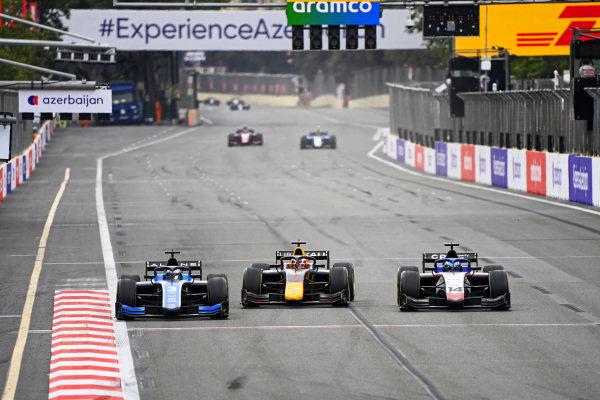 Guanyu Zhou (CHN, Uni-Virtuosi Racing), Liam Lawson (NZL, Hitech Grand Prix) ANDDavid Beckmann (DEU, Charouz Racing System) BATTLE