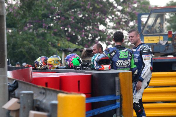Red flag after second crash, Michael Sweeney, Martin Jones Racing BMW S1000RR, Didier Grams, G&G Motorsport BMW S1000RR.