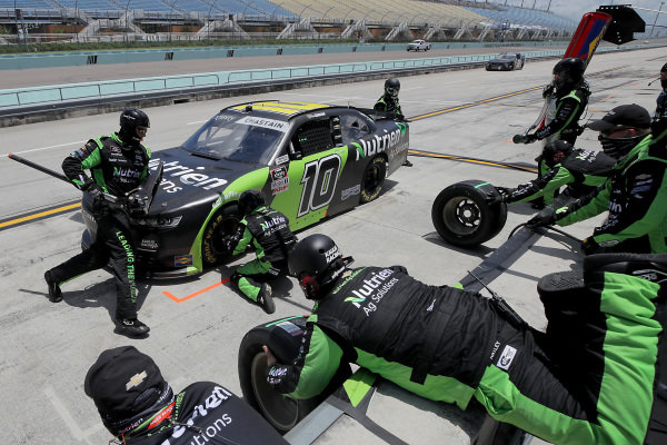 Ross Chastain, Kaulig Racing Chevrolet Nutrien Ag Solutions, pits, Copyright: Chris Graythen/Getty Images.