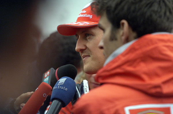 2001 San Marino Grand Prix.Imola, Italy. 13-15 April 2001.Michael Schumacher (Ferrari).World Copyright - Steve Etherington/LAT Photographicref: 17 5 mb digital image.
