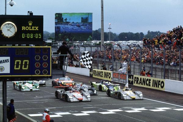 2001 Le Mans 24 Hours Le Mans, France. 16th - 17th June 2001 World Copyright - LAT Photographic ref: 01LM09.