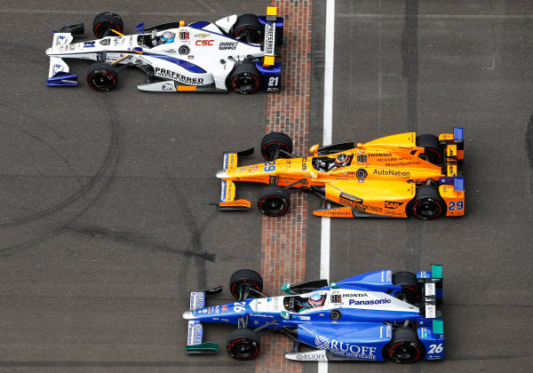 Verizon IndyCar Series Indianapolis 500 Race Indianapolis Motor Speedway, Indianapolis, IN USA Sunday 28 May 2017 JR Hildebrand, Ed Carpenter Racing Chevrolet, Fernando Alonso, McLaren-Honda-Andretti Honda, and Takuma Sato, Andretti Autosport Honda. World Copyright: Steven Tee/LAT Images ref: Digital Image _R3I8389