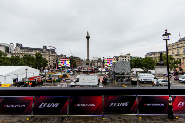 F1 Live London. London, United Kingdom. Tuesday 11 July 2017. Preparations for F1 Live in Trafalgar Square. World Copyright: Zak Mauger/LAT Images ref: Digital Image _56I5340