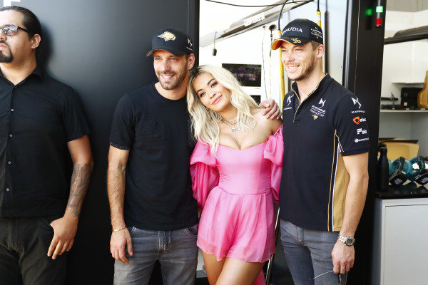 Singer Rita Ora with Jean-Eric Vergne (FRA), DS TECHEETAH and Andre Lotterer (DEU), DS TECHEETAH in the garage