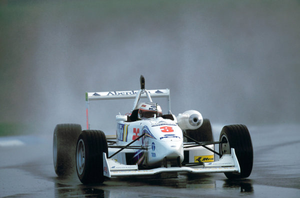 British Formula ThreeThruxton, England, 26th March 2000 . Rd 1.Narain Karthikeyan, finished in 3rd spot. Action.World - LAT PhotographicTel: +44 (0) 208 251 3000Fax: +44 (0) 208 251 3001E-mail: digital@latphoto.co uk