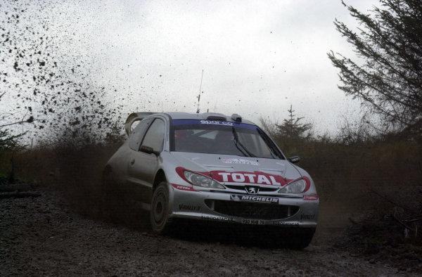 2002 World Rally Championship. Network Q Rally of Great Britain, Cardiff. November 14-17.  Richard Burns during shakedown. Photo: Ralph Hardwick/LAT