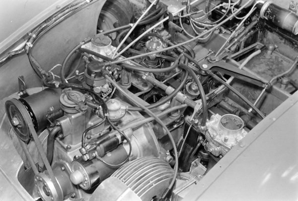 A flat twin engine of a Monopole Panhard VM5.