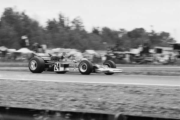 Watkins Glen, New York, USA 4th October 1970 Emerson Fittipaldi (Lotus 72C-Ford), 1st position, action. World Copyright: LAT Photographic Ref: 3344_16A-17