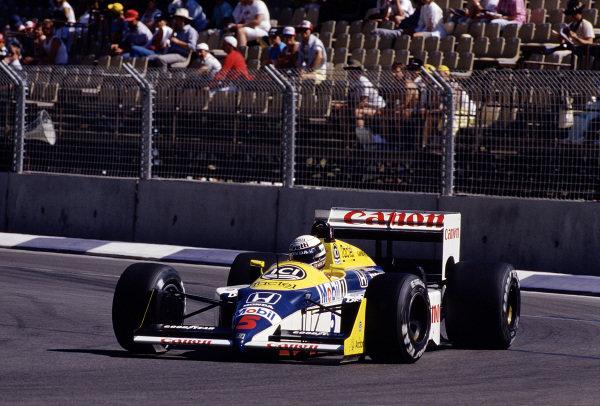 1987 Australian Grand Prix.Adelaide, Australia.13-15 November 1987.Riccardo Patrese (Williams FW11B Honda) 9th position.Ref-87 AUS 50.World Copyright - LAT Photographic