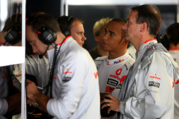 Suzuka Circuit, Suzuka, Japan.2nd October 2009.Lewis Hamilton, McLaren MP4-24 Mercedes. Portrait. World Copyright: Glenn Dunbar/LAT Photographic ref: Digital Image _MG_6478