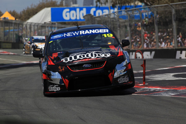 The Tekno Autosports Ford Falcon of Jonathon Webb and Gil de Ferran of Brazil during the Armor All Gold Coast 600, event 11 of the 2011 Australian V8 Supercar Championship Series at the Gold Coast Street Circuit, Gold Coast, Queensland, October 23, 2011 World Copyright: Mark Horsburgh/LAT Photographicref: 19-TEKNO-EV11-11-13313