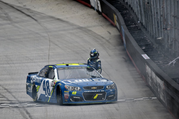 Monster Energy NASCAR Cup Series Food City 500 Bristol Motor Speedway, Bristol, TN USA Monday 24 April 2017 Jimmie Johnson burn out World Copyright: Nigel Kinrade LAT Images ref: Digital Image 17BRI1nk09014