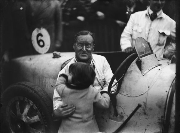 Brooklands, Great Britain. October 1927. Malcolm Campbell with his daughter Jean, portrait.  World Copyright: LAT Photographic.  Ref:  Autocar Glass Plate A8794.