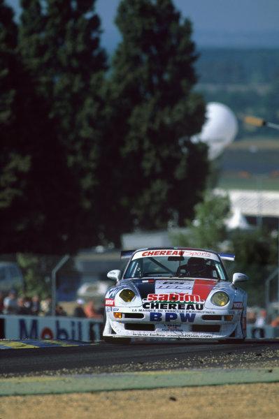 Le Mans, France. 12th - 13th June 1999.Jean-Luc Chereau/Patrice Goueslard/Pierre Yver (Porsche 911 GT2), Not Classified, action. World Copyright: LAT Photographic.Ref:  99LM17.