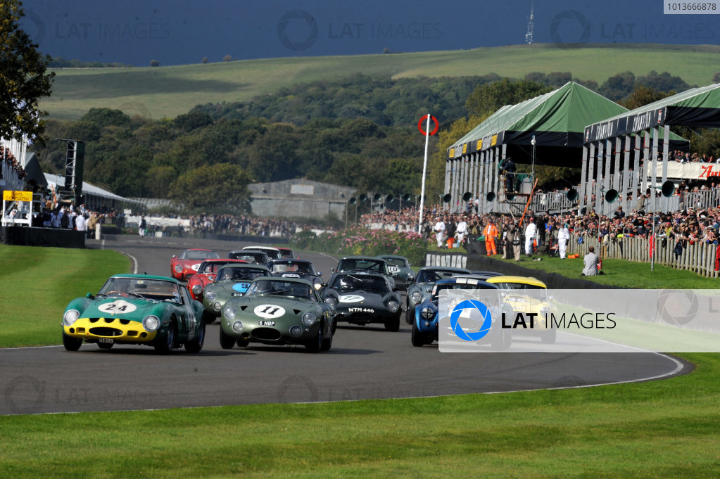 Goodwood Estate, West Sussex, 15th - 18th September 2011 RAC Tourist Trophy Start of the race, action.  World Copyright:Jeff Bloxham/LAT Photographic Ref: Digital Image