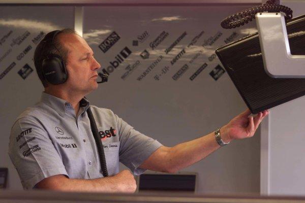 2000 Spanish Grand Prix.Barcelona, Spain, 5/5/2000Ron Dennis, McLaren Mercedes World - LAT Photographic