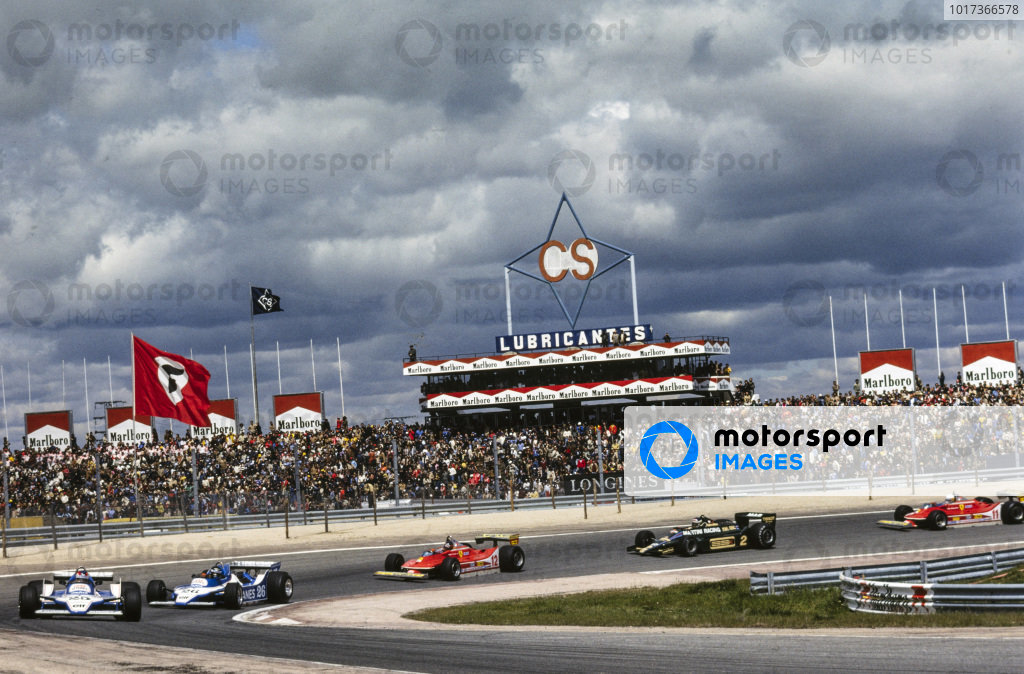 Patrick Depailler, Ligier JS11 Ford leads team-mate Jacques Laffite, Ligier JS11 Ford, Gilles Villeneuve, Ferrari 312T4, Carlos Reutemann, Lotus 79 Ford, and Jody Scheckter, Ferrari 312T4.