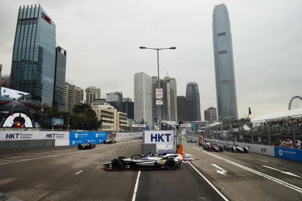 Sébastien Buemi (CHE), Nissan e.Dam, Nissan IMO1 leads Robin Frijns (NLD), Envision Virgin Racing, Audi e-tron FE05 and Felipe Massa (BRA), Venturi Formula E, Venturi VFE05