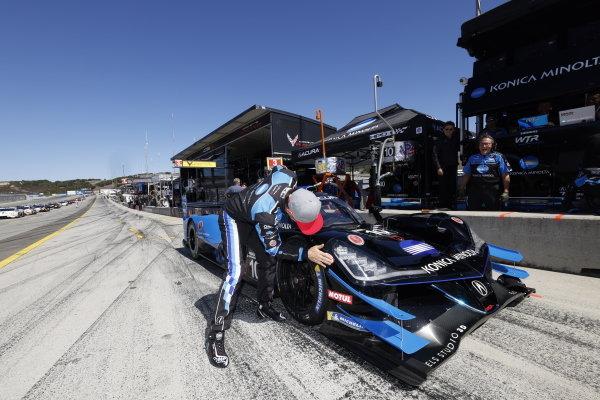 #10: Konica Minolta Acura ARX-05 Acura DPi, DPi: Filipe Albuquerque, Motul Pole Award winner, pole position