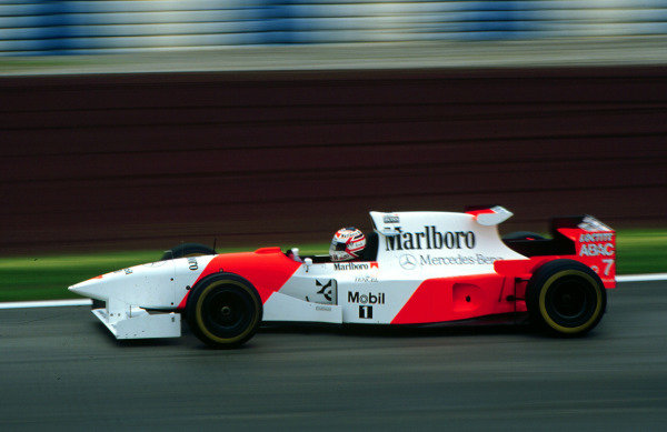 1995 Spanish Grand Prix.Catalunya, Barcelona, Spain.12-14 May 1995.Nigel Mansell (McLaren MP4/10B Mercedes). He exited the race due to the handling on his car. This was Nigel Mansell's last Grand Prix.World Copyright - LAT Photographic