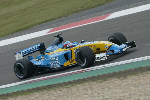 2003 European Grand Prix - Saturday Final Qualifying, Nurburgring, Germany. 28th June 2003 Fernando Alonso, Renault R23, action.World Copyright: Steve Etherington/LAT Photographic ref: Digital Image Only