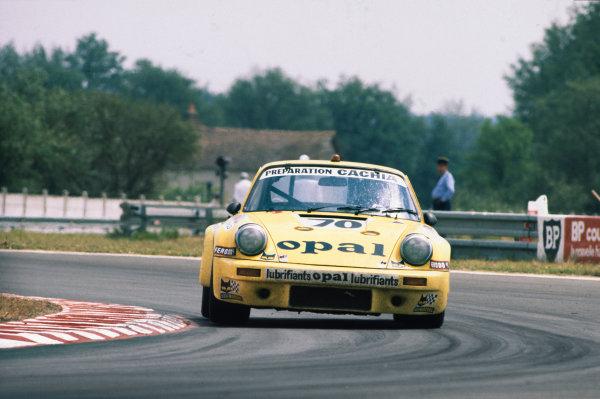Le Mans, France. 11th - 12th June 1977.Simon de Latour/Jean-Pierre Delaunay/Jacques Guerin (Porsche Carrera), 12th position, action. World Copyright: LAT PhotographicRef: 77LM25.