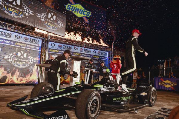 Josef Newgarden, Team Penske Chevrolet celebrates the win in victory lane