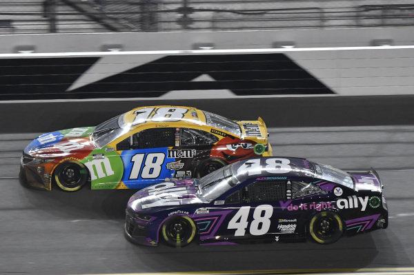 #48: Alex Bowman, Hendrick Motorsports, Chevrolet Camaro Ally #18: Kyle Busch, Joe Gibbs Racing, Toyota Camry M&M's