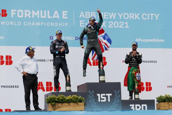 Gerd Mauser, Chairman, Jaguar Racing, Nick Cassidy (NZL), Envision Virgin Racing, 2nd position, Sam Bird (GBR), Jaguar Racing, 1st position, and Antonio Felix da Costa (PRT), DS Techeetah, 3rd position, on the podium