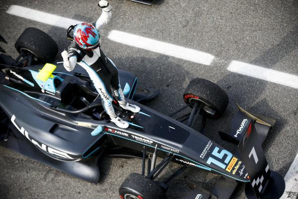 Race Winner Jake Hughes (GBR, HWA RACELAB) celebrates in Parc Ferme