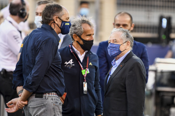 Gerhard Berger, chairman of ITR, Alain Prost, Alpine F1 Team, and Jean Todt, President, FIA, on the grid