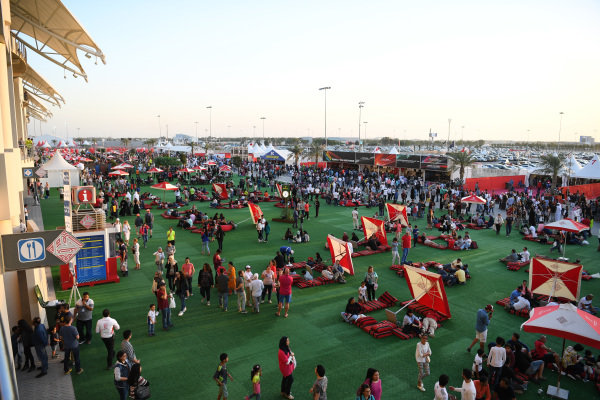 Fans and atmosphere at Formula One World Championship, Rd2, Bahrain Grand Prix Qualifying, Bahrain International Circuit, Sakhir, Bahrain, Saturday 2 April 2016.