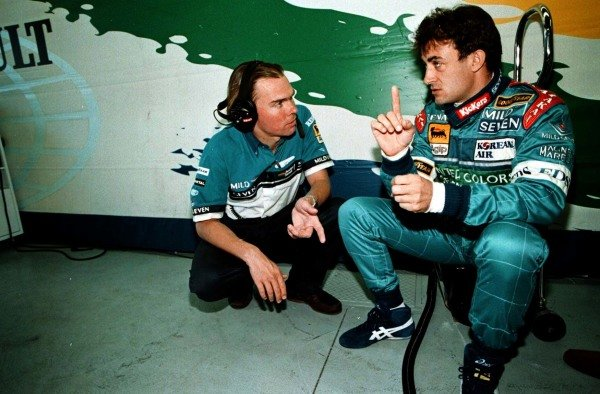1997 Canadian Grand Prix.Montreal, Quebec, Canada.13-15 June 1997.Jean Alesi (Benetton Renault) with his race engineer.World Copyright - LAT Photographic
