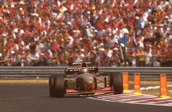 Hungaroring, Budapest, Hungary.9-11 August 1996.Rubens Barrichello (Jordan 196 Peugeot) 6th position.Ref-96 HUN 13.World Copyright - LAT Photographic