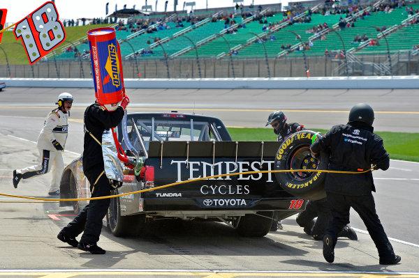 April 19-20, 2013, Kansas City, Kansas USA Joey Coulter pitstop © 2013, Brian Czobat LAT Photo USA .