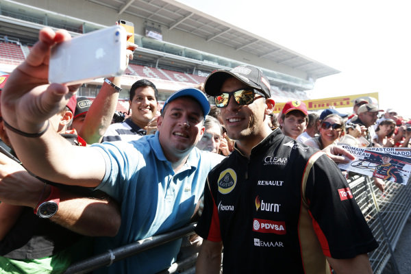 Circuit de Catalunya, Barcelona, Spain. Thursday 8 May 2014. Pastor Maldonado, Lotus F1, poses for a photograph. World Copyright: Alastair Staley/LAT Photographic. ref: Digital Image _79P6943