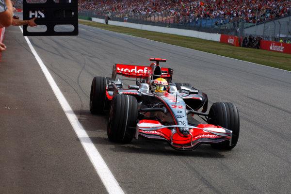 Hockenheimring, Hockenheim, Germany.20th July 2008.Lewis Hamilton, McLaren MP4-23 Mercedes, 1st position, crosses the line to take victory. Action. Finish.World Copyright: Steven Tee/LAT Photographic.ref: Digital Image _95U1358