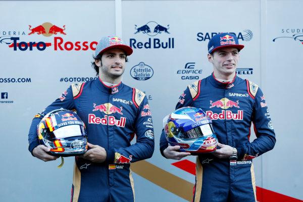 Circuit de Catalunya, Barcelona, Spain Tuesday 1 March 2016. Carlos Sainz Jr, Toro Rosso. Max Verstappen, Toro Rosso.  World Copyright: Zak Mauger/LAT Photographic ref: Digital Image _79P9322