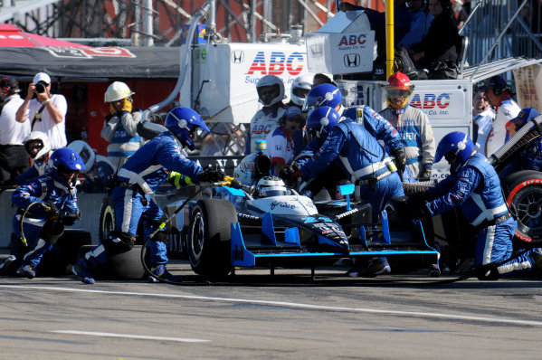 23-25 July, 2010, Edmonton, Alberta, CanadaTomas Scheckter pit stop.©2010, Paul Webb, USALAT Photographic