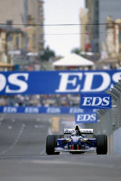 Adelaide, Australia. 10-12 November 1995. Damon Hill, Williams FW17B Renault, 1st position, action. Ref-95 AUS 41 World Copyright - LAT Photographic