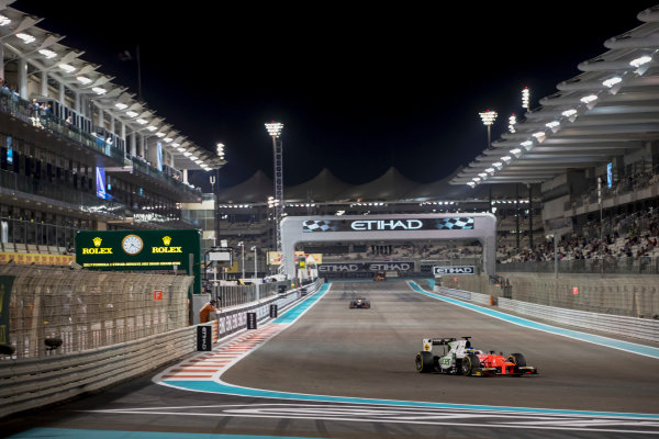 2017 FIA Formula 2 Round 11. Yas Marina Circuit, Abu Dhabi, United Arab Emirates. Saturday 25 November 2017. Sergio Sette Camara (BRA, MP Motorsport).  Photo: Zak Mauger/FIA Formula 2. ref: Digital Image _56I1982