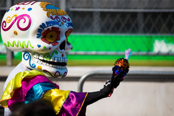 Autodromo Hermanos Rodriguez, Mexico City, Mexico. Thursday 26 October 2017. Day of the Dead style costumes in the paddock. World Copyright: Sam Bloxham/LAT Images  ref: Digital Image _J6I8561