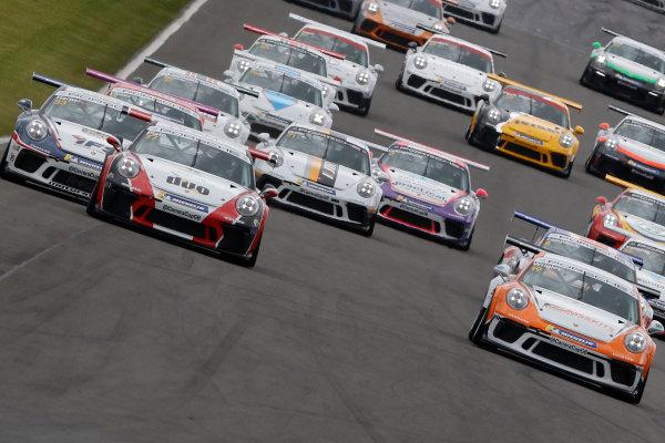 Start of the race, Lewis Plato leads, Porsche