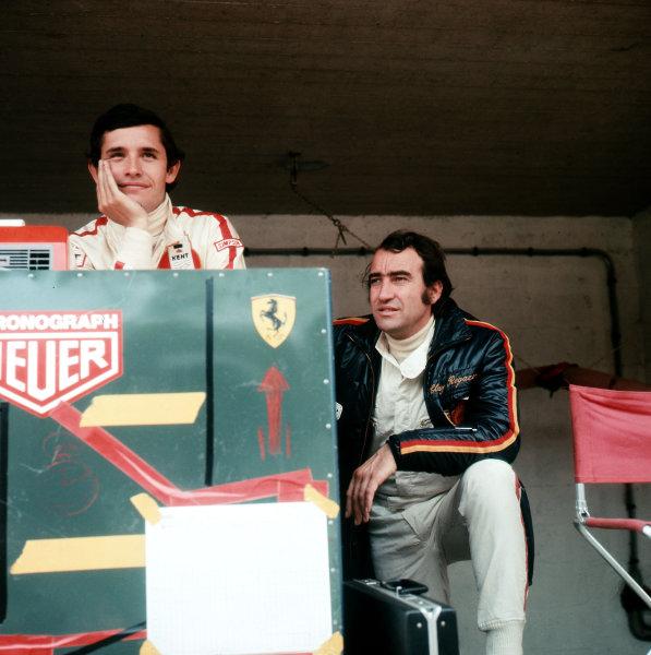 Jacky Ickx and Clay Regazzoni (right).Ref-3/5100S.World Copyright - LAT Photographic