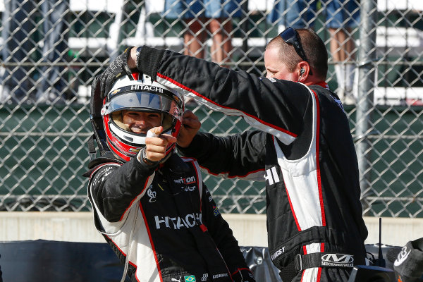 1 June, 2014, Detroit, Michigan, USA Winner Helio Castroneves celebrates ©2014, Michael L. Levitt LAT Photo USA
