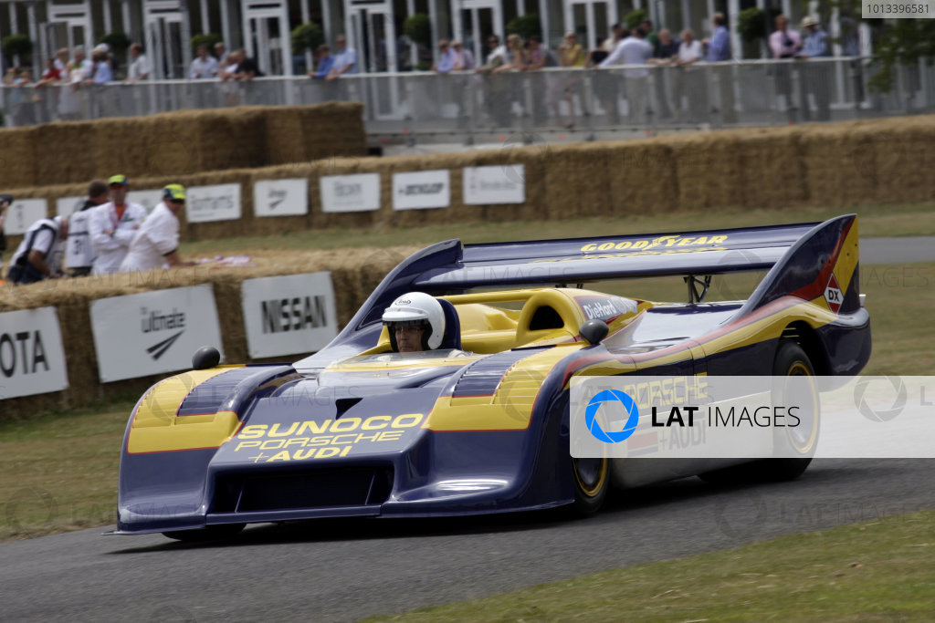 Goodwood Estate, West Sussex. 3rd - 5th July 2009. Lord March, Porsche 917/30 World Copyright: Gary Hawkins/LAT Photographic. ref: Digital Image Only.